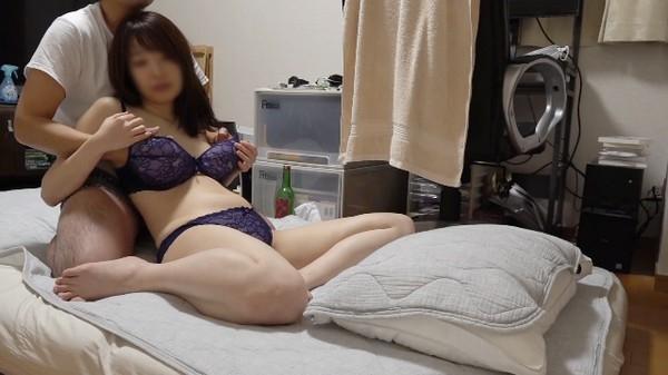 FC2 PPV 1586321 - [FC2_PPV-1586321] No34 清楚系美魔女を自宅に連れ込み隠し撮り。セックスレスの人妻はエロすぎてギャップがヤバすぎです。